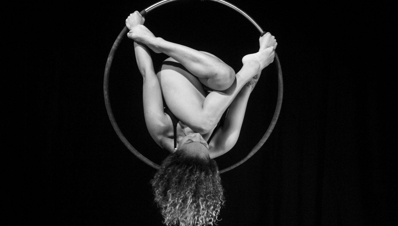 Artiste de cirque Travesía_AJPU CIRCO ©-Carlos-Bernardo-Euler-Coy