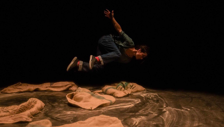 Artiste de cirque Travesía_La_Trapecionista©Artxipielago_8970